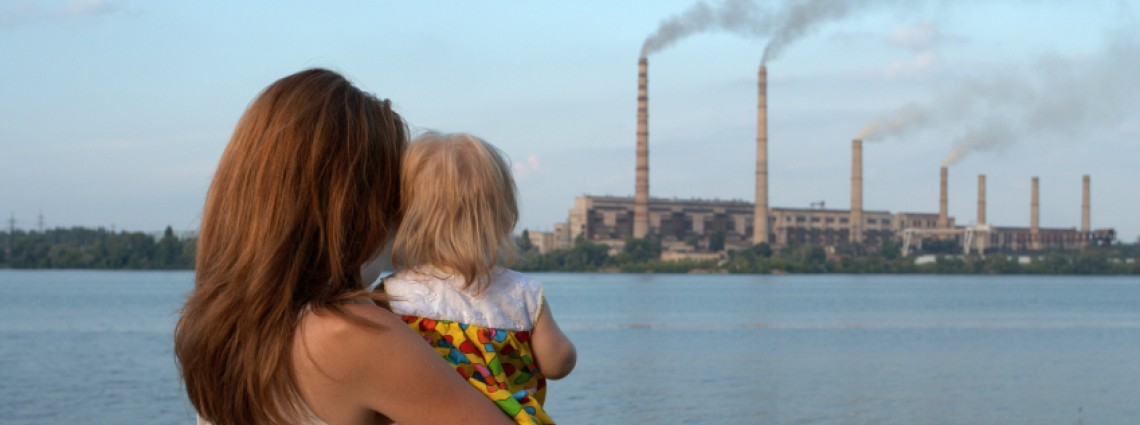 looking at the chimney-stalks smokestack child